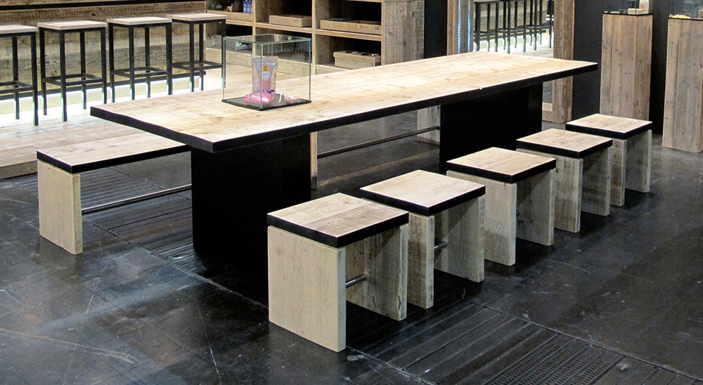 2_Bauholz_design_Black-Line